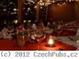 Restaurace na lodi Natal