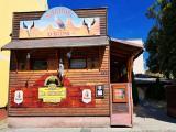Saloon U supa